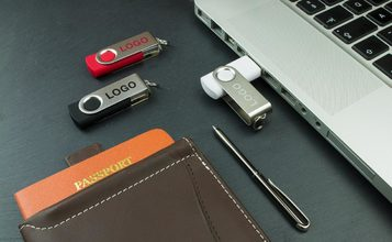 http://static.flash-drives.com/images/products/Twister/Twister1.jpg